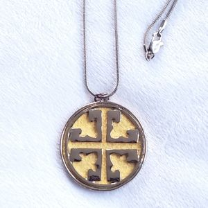 """Jewelry - Tory Burch Medallion Pendant 18"""" Necklace"""
